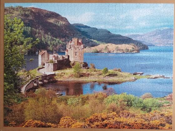 Eilean Donan Castle , Scotland , 2000 Pieces ( Castorland Puzzle )
